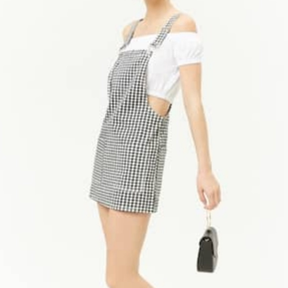 6081f7fc50a Gingham Check Overalls. NWT. Forever 21